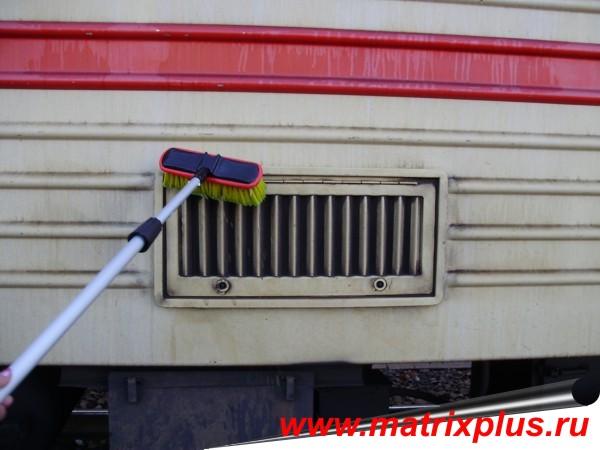 """Универсальное концентрированное моющее средство """"Фаворит-К"""" для наружной обмывки пассажирских вагонов с антикором, купить средство для наружной обмывки пассажирских вагонов с антикором, как правельно отмыть с наружи пассажирский железнодорожный вагон и вагон метрополитена, купить моющее средство для наружки, отмыть вагон от загрязнений, как правельно отмыть вагон, технология обмывки пассажиских железнодорожных вагонов, акты испытаний моющих средств для наружной обмывки вагонов, сравнение и обзор моющих средств для наружки, испытание моющих средств"""