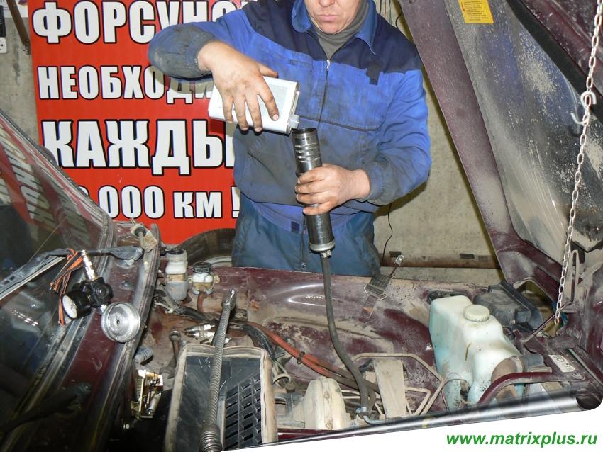 получить красный самодельный промывочный прибор для двигателя многих сонников